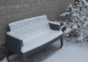 bankje sneeuw
